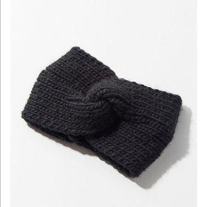UO Black twist headband